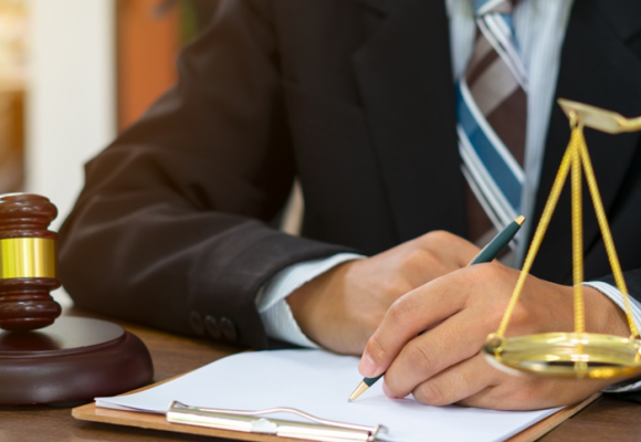 Abogados, la experticia no se certifica con ningún título universitario
