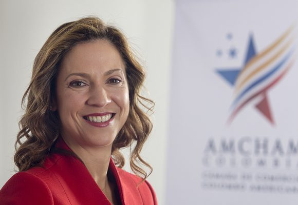 María Claudia Lacouture se estrenaría en el periodismo con la dirección de Dinero