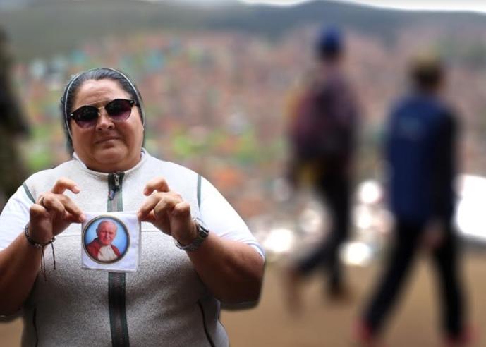 Nexos con grupos ilegales: ¿el nuevo pecado de la monja uribista?