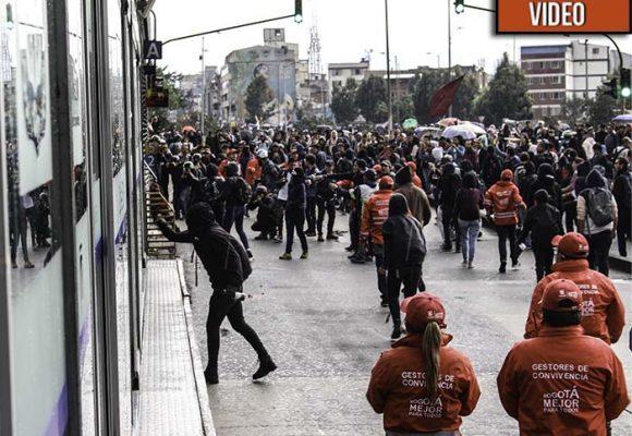 VIDEO: ¿Por qué los estudiantes insisten en hacerse oír en las calles incluso enfrentando al Esmad?