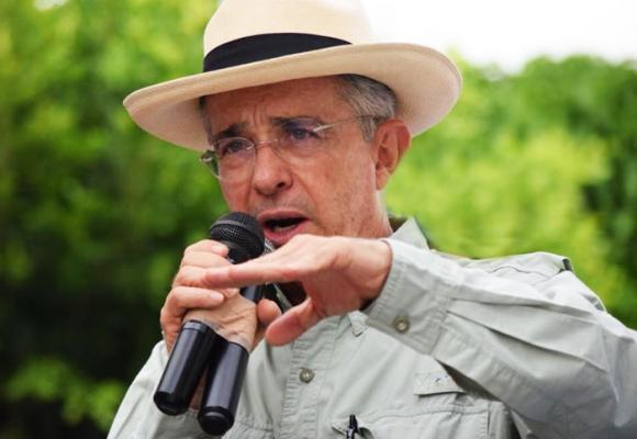 La voz del pueblo: el firme mensaje político a favor de Uribe