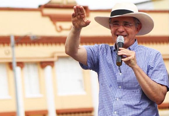 Uribe no irá a la cárcel el 8 de octubre