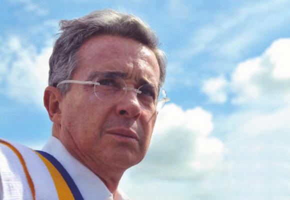 El as bajo la manga de Uribe