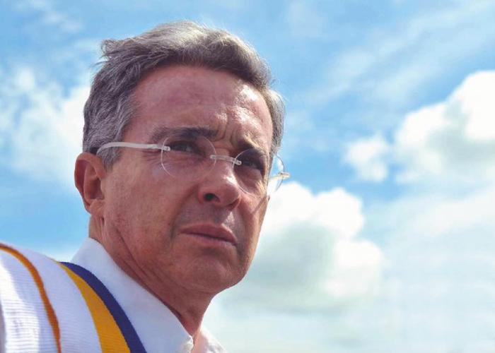 Álvaro Uribe Vélez, el redentor de Colombia