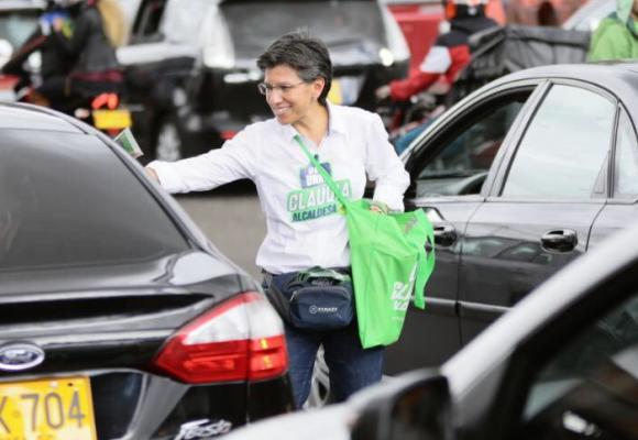 Tal vez sea tarde para salvar a Bogotá, pero Claudia López merece intentarlo