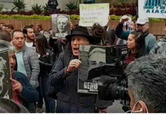 Colombia está harta de Álvaro Uribe