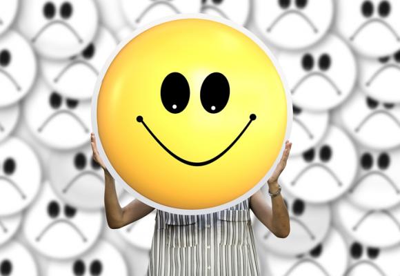 La felicidad como meta fundamental de la vida es una ilusión perjudicial y utópica