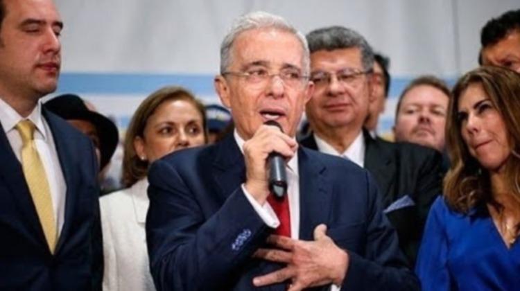 Pelando el cobre. Los sofismas de Uribe