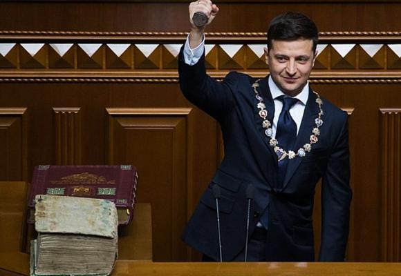 Volodymyr Zelensky, el comediante-presidente que está en grandes aprietos