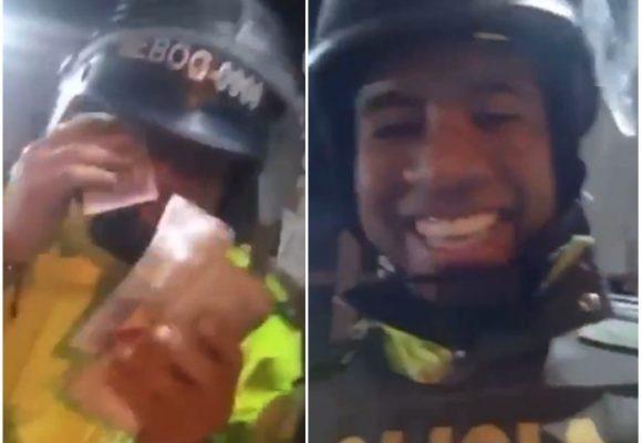 La burla de la policía a los que protestan por querer estudiar