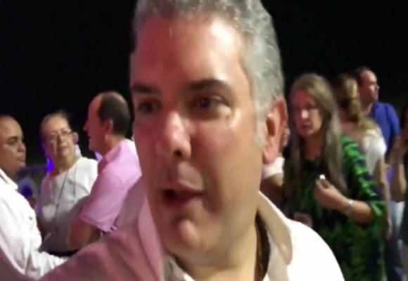 El maltrato de Duque a un periodista que le preguntó por el bombardeo