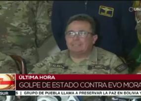 Momento en el que la cúpula militar le pide a Evo que renuncie