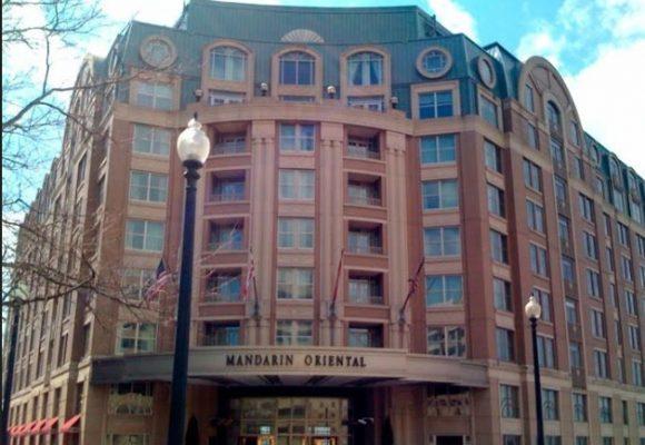 El hotel del encuentro del embajador con la nueva canciller