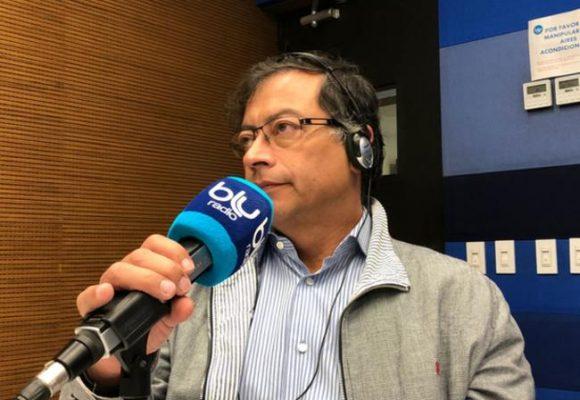 Gustavo Petro acusa a Blu radio de robarle datos