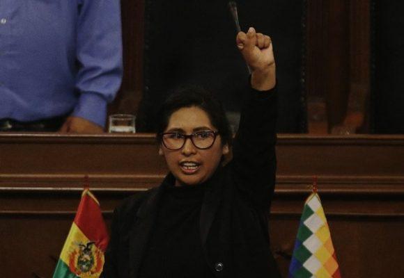 Se hunde el acelerador en Bolivia para llamar a elecciones