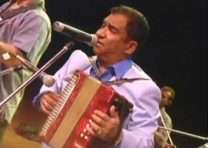 Armando Hernández, la voz tropical que hace bailar a Colombia