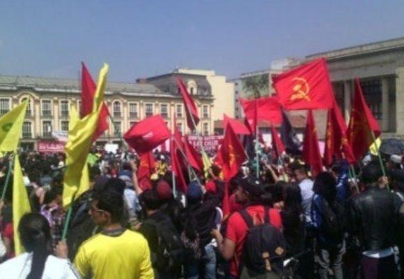Comunistas, a marchar