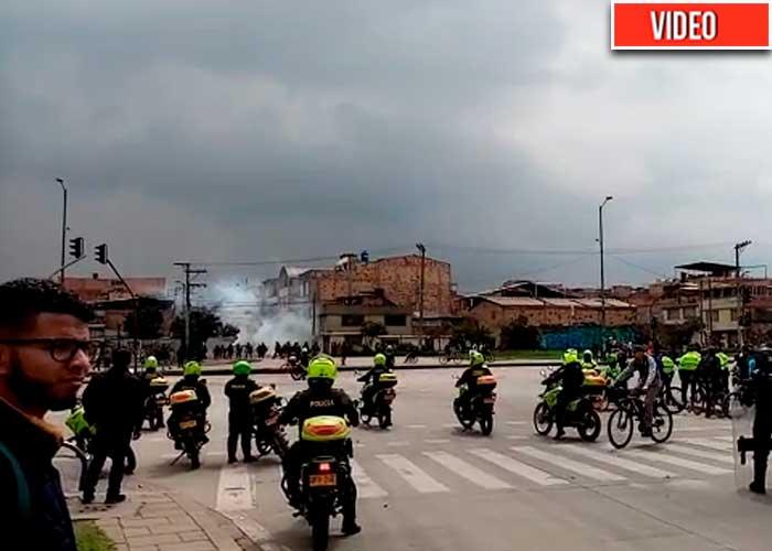 En barrios del Sur de Bogotá, el Esmad está lanzando gases lacrimógenos a las casas