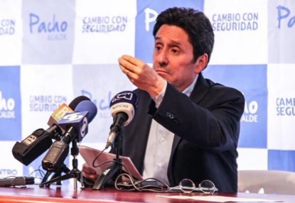 La patética excusa de Pacho Santos sobre sus boconadas