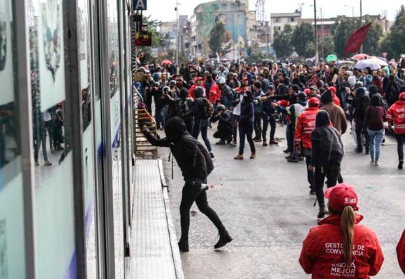 ¿Qué sentido político tiene el vandalismo en las marchas?