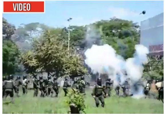 VIDEO: La agonía de un policía herido en las protestas