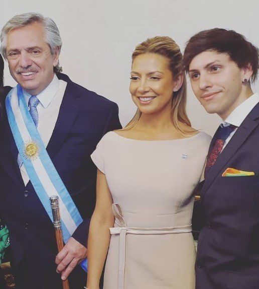 Estanislao es el único hijo de Alberto Fernández y Marcela Luchetti quienes se separaron en el 2005
