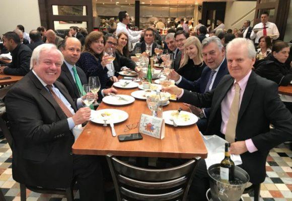 El poder gremial vallecaucano celebró con la gobernadora en Harry's Bar