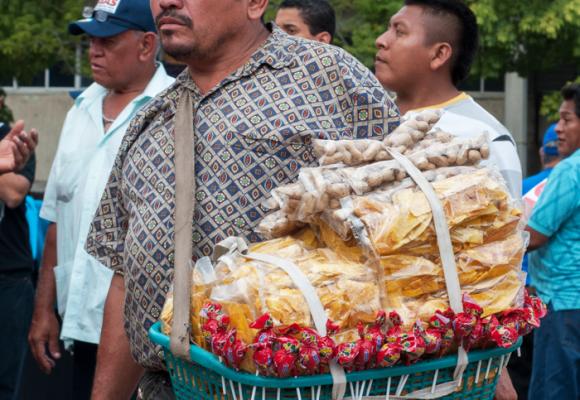 A punta de rebusque sobreviven más de dos millones de colombianos