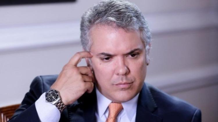 El presidente sordo - Las2orillas