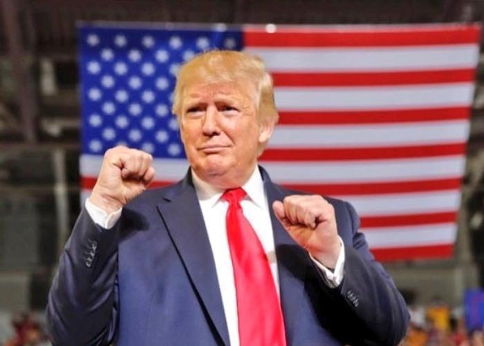 Donald Trump acusa el golpe y reacciona rabioso