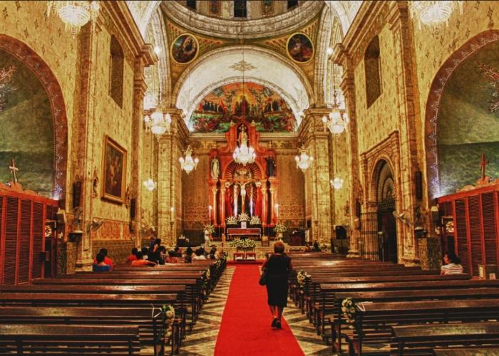 Que las iglesias paguen impuestos por exprimir a sus fieles