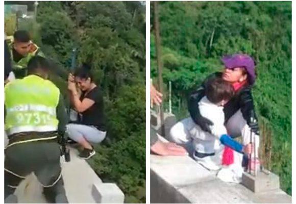 Policías evitan un nuevo suicido en puente de Ibagué [VIDEO]