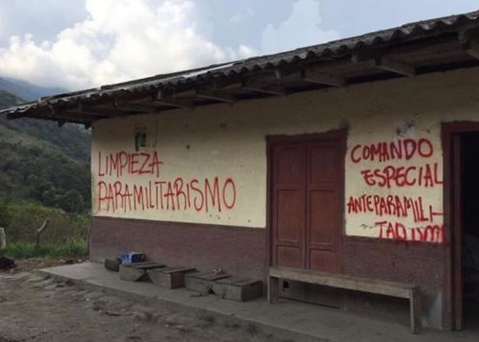 Los grafitis que no indignan a los uribistas