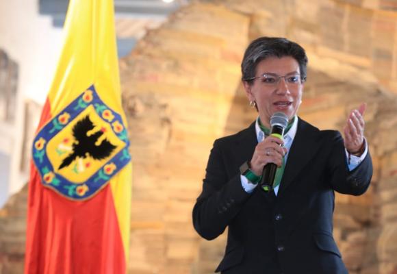 ¿Seguirá adelante Claudia López con el contrato de $1280 millones para medir su gestión de la Alcaldía?