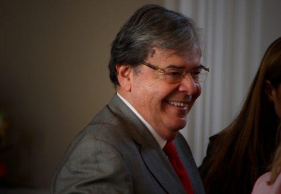Carlos Holmes Trujillo con el ojo en la Justicia Penal Militar