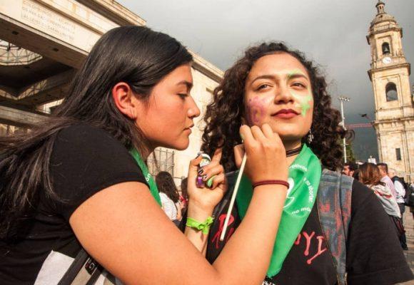 ¿Es hora de legislar sobre el aborto en Colombia?