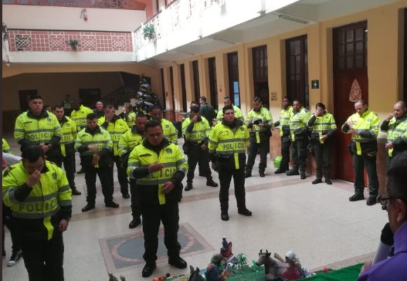 El calvario de ser Policía y no creer en Dios