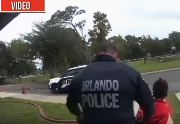 Video: Policía saca esposada del colegio a niña de 6 años