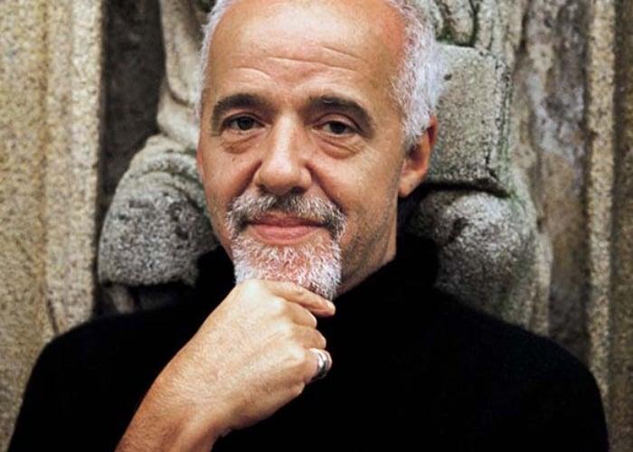 Odiar a Paulo Coelho es para pseudointelectuales