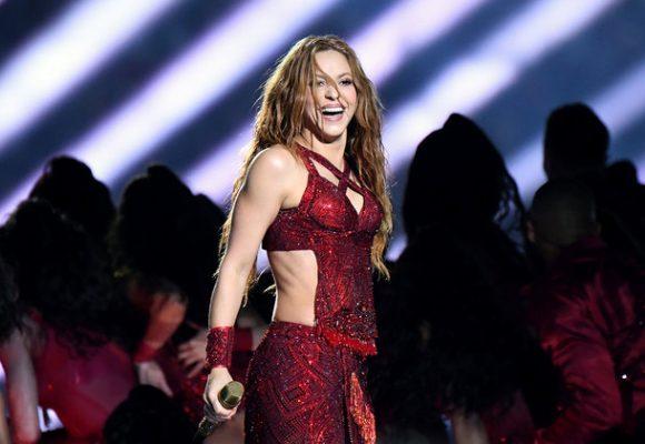 Shakira le calla la boca a los medios gringos que la pordebajearon. Video