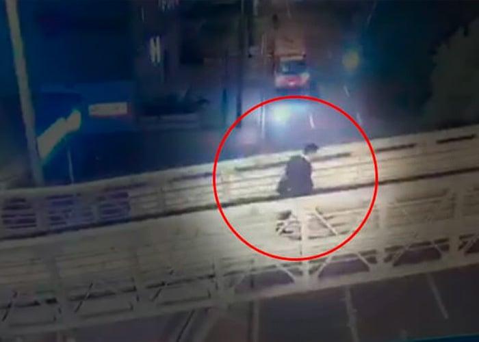 ¿Una estatua para el médico que asesinó a 3 ladrones?