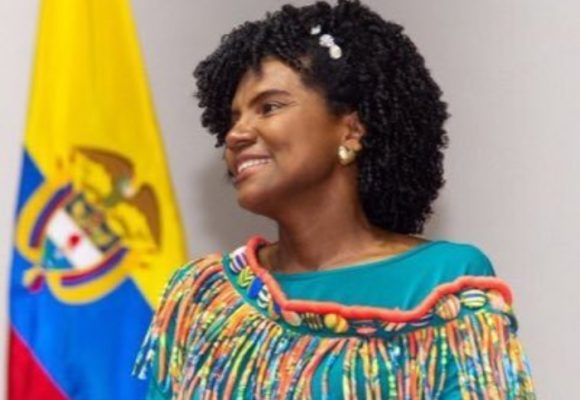 Juntar las generaciones por la ciencia, una necesidad en Colombia