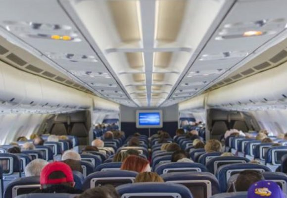 ¿Cómo se propaga y se previene el Coronavirus en los aviones?