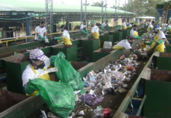 En el Urabá la moda es reciclar el plástico