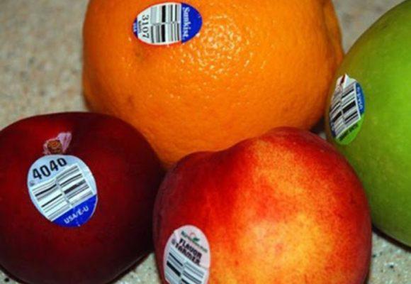 Stickers en frutas y verduras sobran desde hace rato