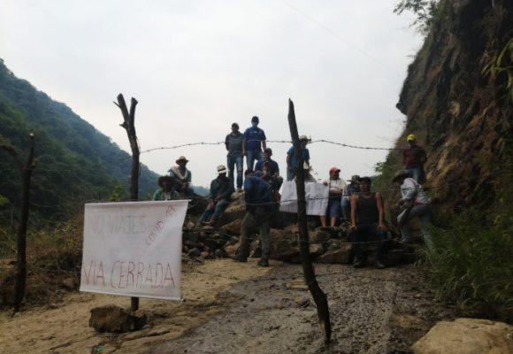 Con barricadas campesinos intentan frenar la llegada del coronavirus a sus territorios