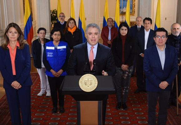 Colombia no pudo dormir: la histeria desatada después del anuncio de confinamiento