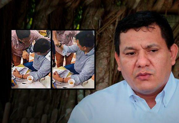 Detenido el hombre del video que firmaba contratos en una parranda