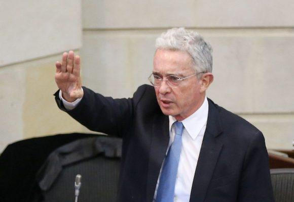 Uribe, en plena crisis del Coronavirus, hace un pedido por la paz de Colombia