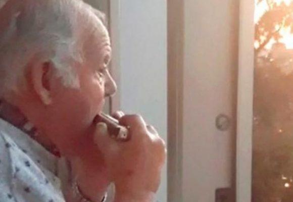 VIDEO: Anciano con Alzheimer cree que aplausos por médicos de Coronavirus son para él